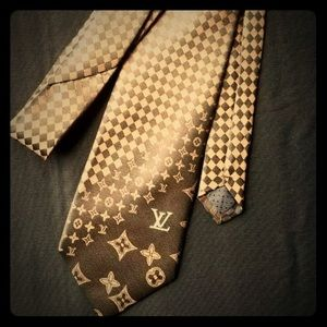 Louis Vuitton brown necktie
